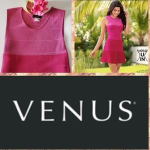 Venus hold u in Dress